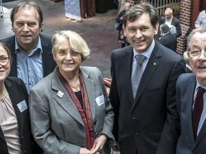 Experten unter sich (v.l.) Sabine Rüger, Prof. Dr. Rolf Heinze, Gaby Schnell, OB Dr. Frank Dudda und Franz Mütefering. ©Thomas Schmidt, Stadt Herne.