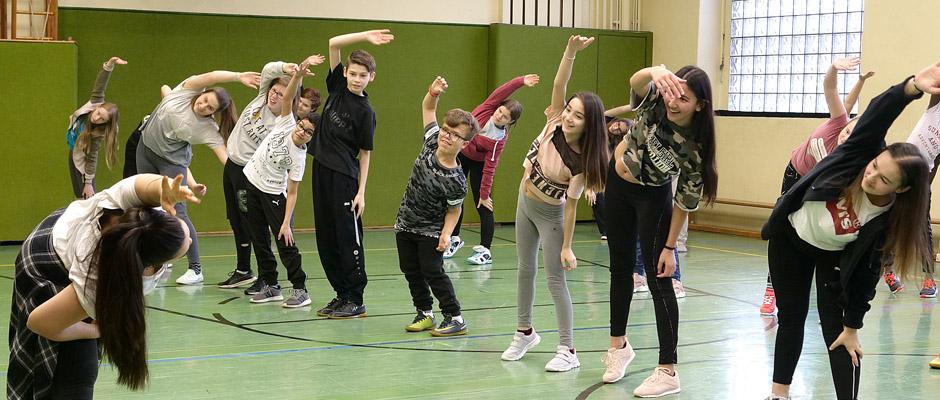 Die Proben für das Tanztheater-Projekt haben begonnen.