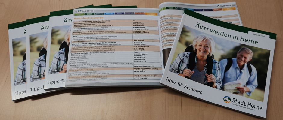 Der aktuelle Ratgeber für Herner Senioren. ©Nina-Maria Haupt, Stadt Herne