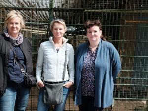 Birgit Claus, Andrea Darwiche und Andrea van Dillen wollen neue Volieren kaufen. ©Nina-Maria Haupt, Stadt Herne