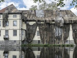 Schloss Strünkede wird verhüllt ©Thomas Schmidt, Stadt Herne