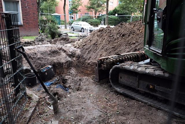 Gleich beginnt die Entschärfung der Bombe an der Steinstraße. © Nina-Maria Haupt