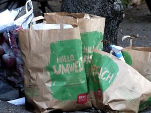 Solche Hinterlassenschaften finden die Mülldetektive häufig. ©Philipp Stark, Stadt Herne
