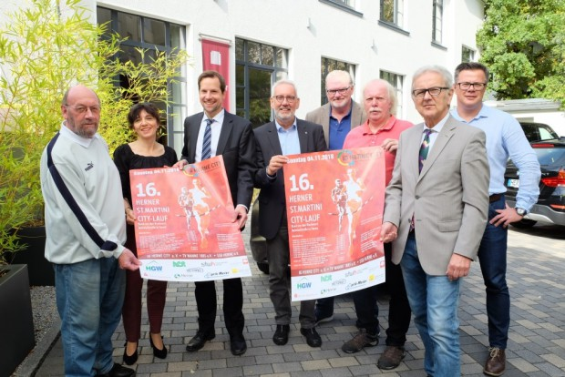 Die Sponsoren und Organisatoren des 16. Marinilaufs. PK_Martinilauf_©Michael_Paternoga_Stadt_Herne