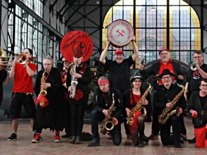 schwarz_rot-Atemgold-09 in der Maschinenhalle Zeche Zollern. Foto: Bernd Teichmann