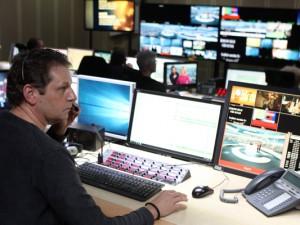 Gerhard Kohlenbach, Redaktionsleiter bei RTL aktuell, im Nachrichtenstudio. ©Privat