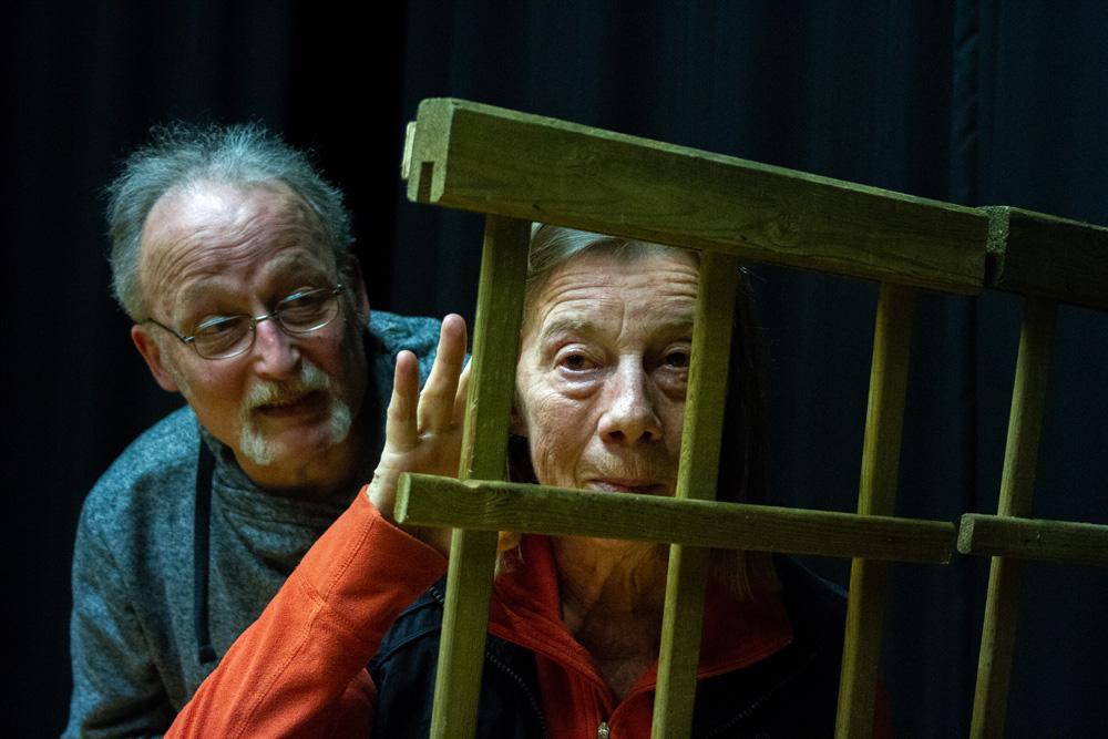 Das unfreiwillige Ermittlerduo Charlotte Dreyer und Heinz Hinzmann (v.l.) Klaus Goschkowski, Barbara Merz. Foto: Tiv_Giessmann