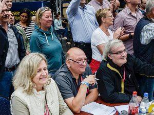 Rainer Rüsing als Jurymitglied bei einem Kirmesumzug. ©Thomas Schmidt, Stadt Herne.