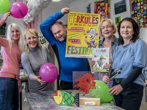 Die Veranstalter des diesjährigen Herkules-Festivals in einem Atelier der Jugendkunstschule. ©Thomas Schmidt, Stadt Herne